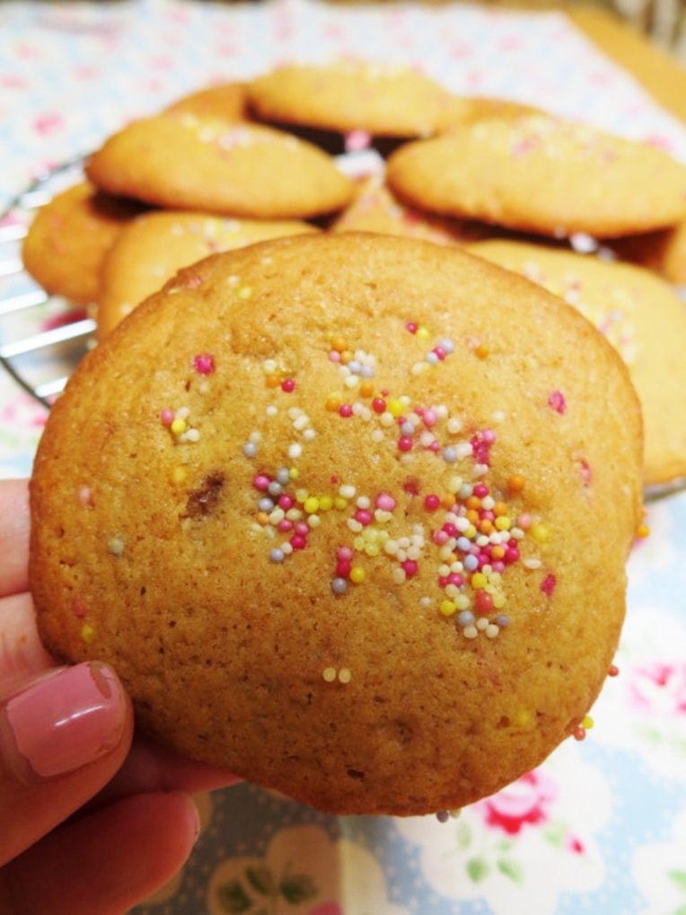 vanilla sprinkles cookies
