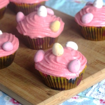 The Best Mini Egg Cupcakes Recipe for Easter! Celebrate with these delicious, colourful cupcakes this year and you're sure to impress friends and family! This quick and easy 4-step recipe is fun and fuss-free, so get the kids involved and get baking! Click for the recipe / Knead to Dough